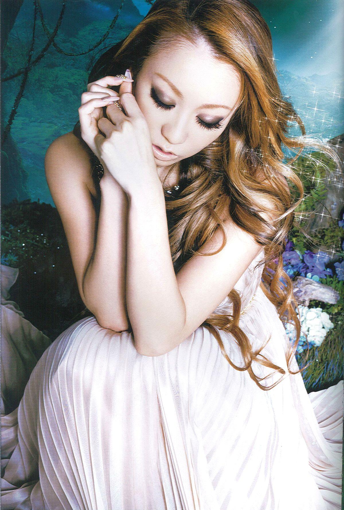 http://www.welcometokodakumiworld.com/gallery/scans/release/pamphlet/Pamphlet_-_Love_Romance/loveromance1.jpg